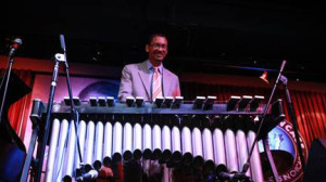 Jason Marsalis performs on a vibraphone with his Vibes Quartet at the Jazz Showcase. (John J. Kim / Chicago Tribune)
